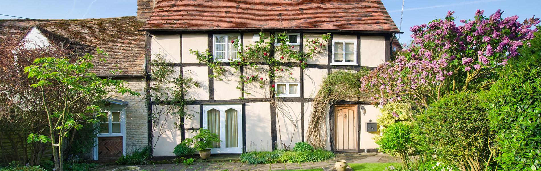 tudor-lime-plastered-home-UK