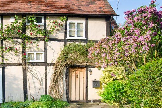 dusky=pink-tradional-colour-render-tudor-house-stroud